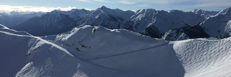 Snowboarding in Kickinghorse   Powderheadz.com